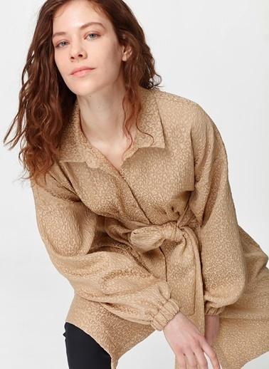Mizalle Jakar Desenli Kuşaklı Tunik Elbise Bej